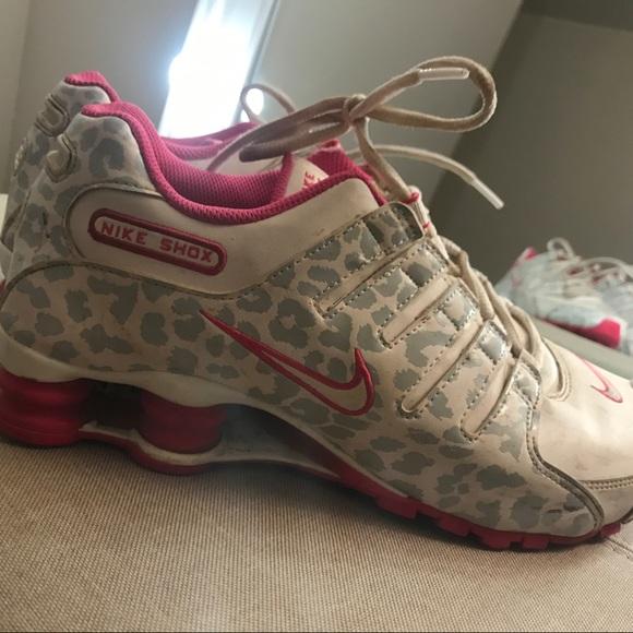 fa1cadda650 Pink cheetah Nike shocks. M 5a4cf5dbcaab44edd301473b